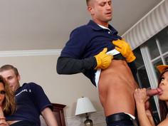 Francesca Le & Kayla Carrera & Bill Bailey & Michael Vegas in Latina Dultery