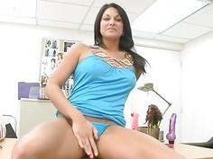 Stunning milf shows off her huge love muffins ass