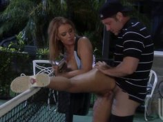 Tennis court is a perfect place for Janet Mason to blow dick