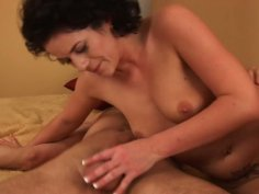 Brunette oldie Jessie takes a ride on Diether's weenie