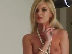 JOYBEAR Erotic Photo Shoot