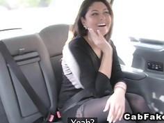 Belgium tourist sucks huge cock in fake cab