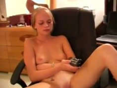 Sexy fresh chicks have an awesome oral sex in a hotel room