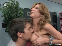Aleksa Nicole tastes a delicious cock in the library