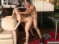 Kinky blondie Alexis Texas gets fucked in the music shop