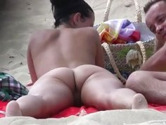 Unsuspecting naked gals get secretly filmed on the nudist beach